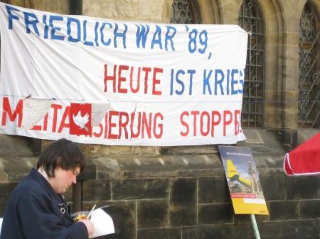 Kundgebung der Leipziger Friedensbewegung auf dem Nikolaikirchhof - Ostermarsch 2009