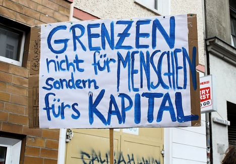 2010-06-12 Krise Demo Grenzen fuers Kapital Mike Nagler