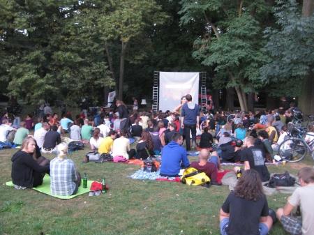 globaLE - Kino im Clara-Park, Film: Residenzpflicht