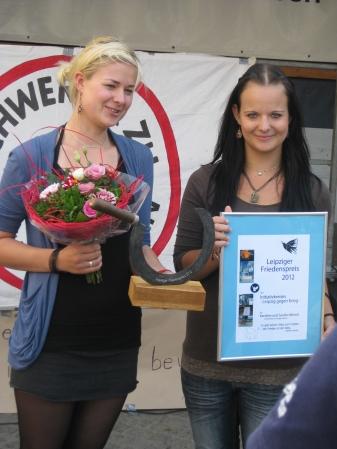 Verleihung des Leipziger Friedenspreises 2012 an Karoline und Sandra Münch vom Verein Bon Courage, Borna