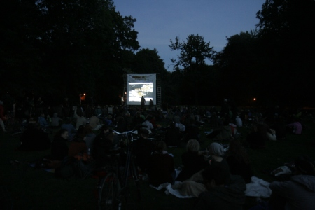 Gut 200 Gäste kamen in den Clara-Zetkin-Park.