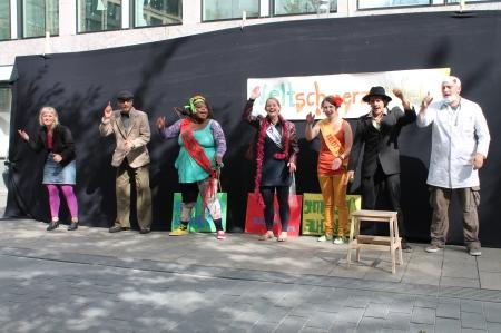 Straßentheater Schluck & Weg am 07.09.2012 in der Leipziger Innenstadt.