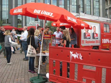 2013-09-14 Infostand DIE LINKE Leipzig Augustusplatz