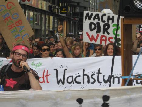 IMG_5576 Demo Degrowth Leipzig