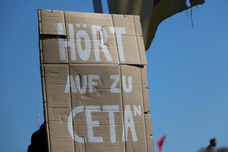 2015-10-10 Demonstration gerechter Welthandel TTIP CETA stoppen Berlin (12)