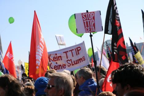 2015-10-10 Demonstration gerechter Welthandel TTIP CETA stoppen Berlin (17)