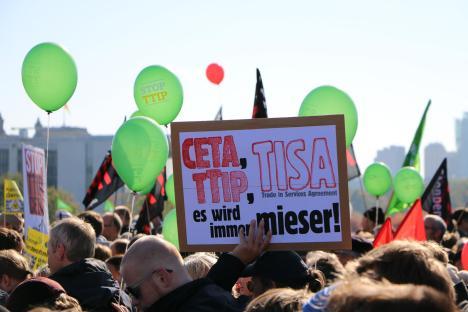 2015-10-10 Demonstration gerechter Welthandel TTIP CETA stoppen Berlin (19)