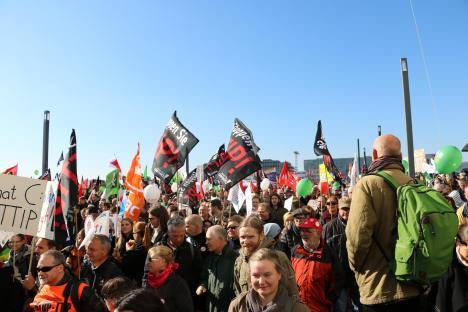 2015-10-10 Demonstration gerechter Welthandel TTIP CETA stoppen Berlin (25)