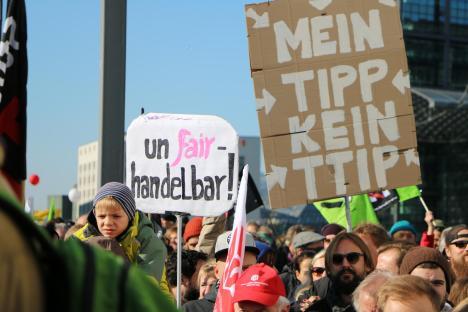 2015-10-10 Demonstration gerechter Welthandel TTIP CETA stoppen Berlin (27)