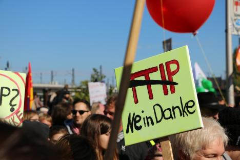 2015-10-10 Demonstration gerechter Welthandel TTIP CETA stoppen Berlin (8)