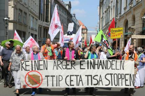 2016-05-28 Demo StopTTIPundCETA Leipzig Katholikentag (15)