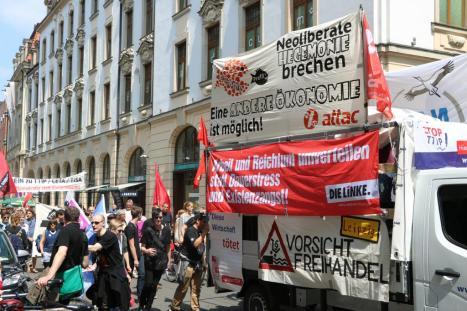 2016-05-28 Demo StopTTIPundCETA Leipzig Katholikentag (16)