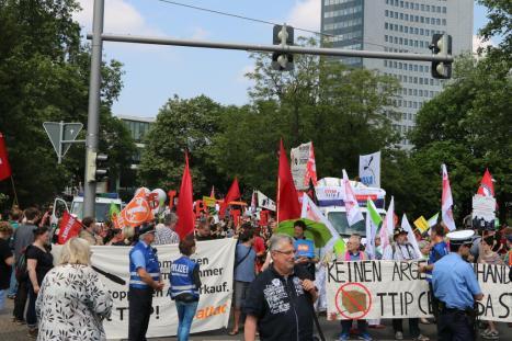 2016-05-28 Demo StopTTIPundCETA Leipzig Katholikentag (21)