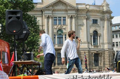 2016-05-28 Demo StopTTIPundCETA Leipzig Katholikentag (23)
