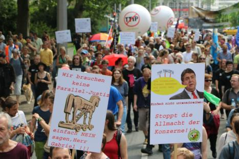 2016-05-28 Demo StopTTIPundCETA Leipzig Katholikentag (28)