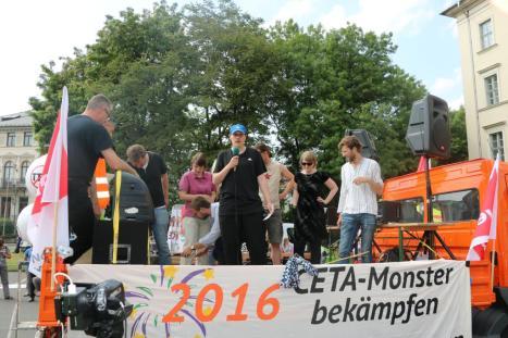 2016-05-28 Demo StopTTIPundCETA Leipzig Katholikentag (38) Marco