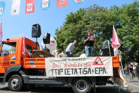 2016-05-28 Demo StopTTIPundCETA Leipzig Katholikentag (6)