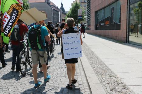 2016-05-28 Demo StopTTIPundCETA Leipzig Katholikentag (9)