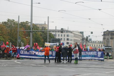 2016-09-17-demonstration-leipzig-gegen-ceta-ttip-3-frontbanner