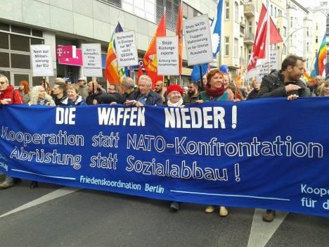 2016-10-08-friedensdemo-berlin-waffen-nieder-1